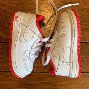 Nike • Air Force 1 Sz 6 little kids